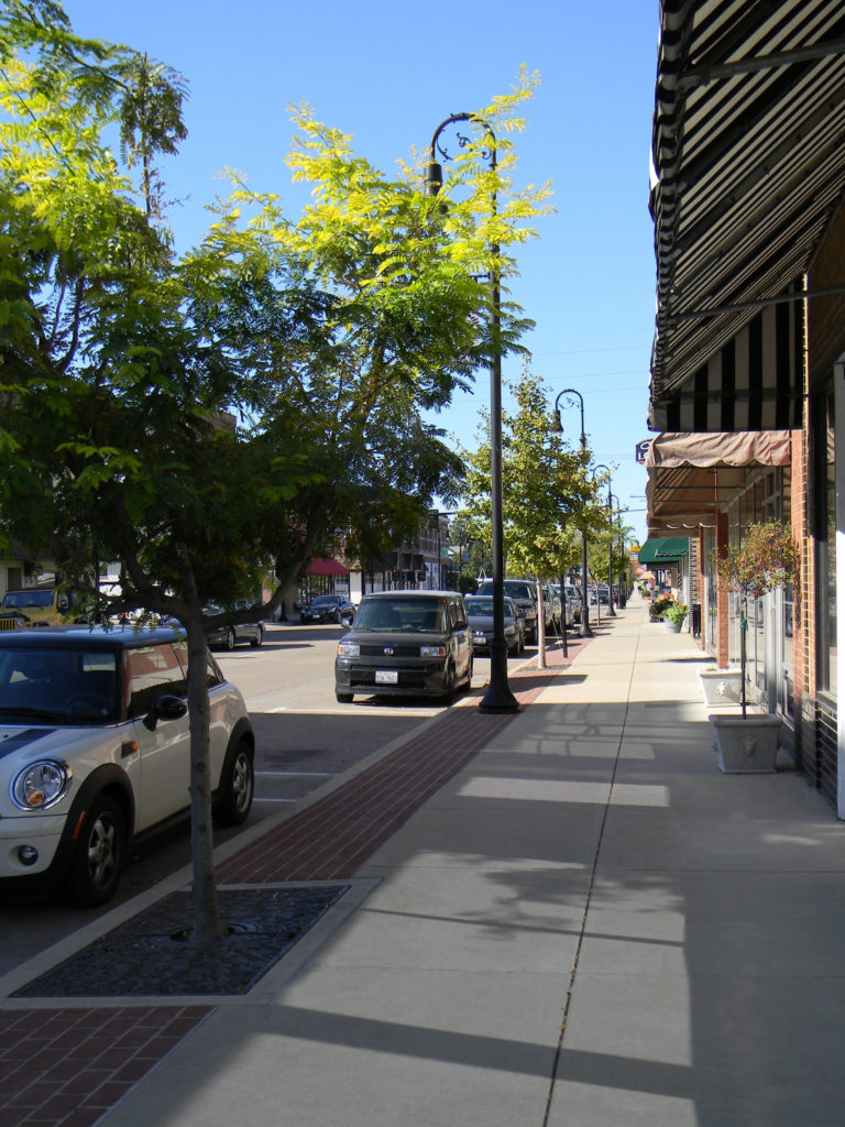 Streetscape To The North Of Hickory Click To Close: Main Street Streetscape